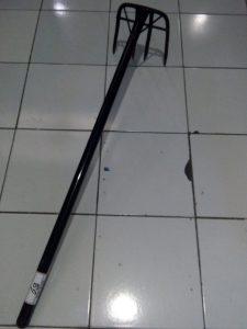 Garuk Sampah / Cangkrang Gagang Besi